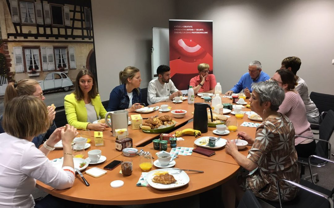 Une réunion déjeuner avec l'équipe EUROMAF